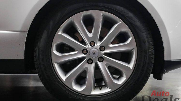 Range Rover Vogue HSE-LE | GCC – Low Mileage | Under Warranty