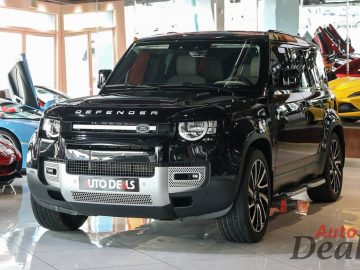 Land Rover Defender 110 S P300 | 2021 – GCC – Ultra Low Mileage | With Warranty & Service Contract