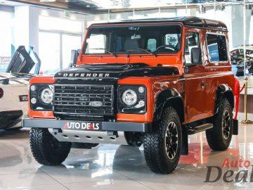 Land Rover Defender 90 | GCC – Ultra Low Mileage