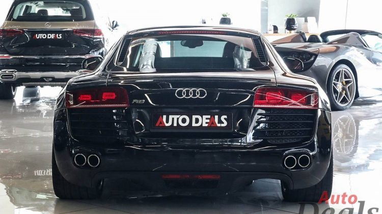 Audi R8 4.2 FSI Quattro R Tronic   GCC – Low Mileage